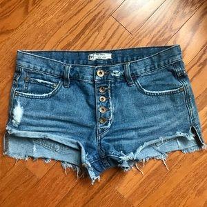 Free People distressed boho shorts 🌸